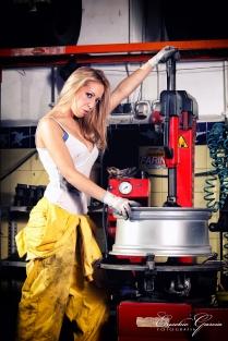 Eusebio Garcia Fotografia - Sesion Taller Mecanico Sexy - Laura 02