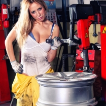 Eusebio Garcia Fotografia - Sesion Taller Mecanico Sexy - Laura 03